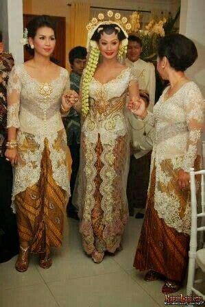Kebaya Kr 131 kebaya batik dress seleb 에 있는 hn님의 핀