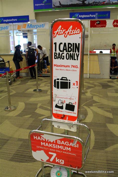 airasia with baggage air asia flight qz 7529 denpasar bali dps to jakarta cgk