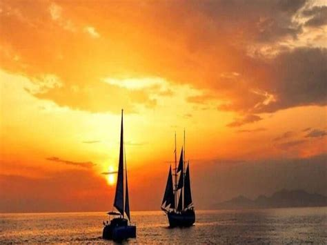 sunset sailing catamaran cruise santorini santorini sunset cruise santorini sailing catamaran tour