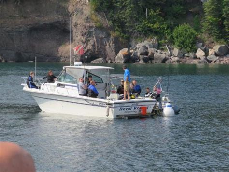 silver bay mn boat tours we pulled up next to divers at a ship wreck got to talk
