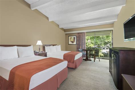 great rooms lakeland accommodations in lakeland fl travelodge hotels