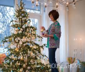 choosing decorating the perfect christmas tree house