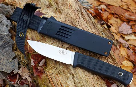 fallkniven review best all around blade fallkniven f1z review