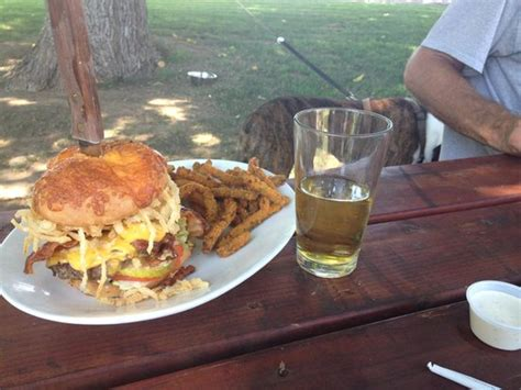 lassen steak house lava burger and a beer na slici je lassen steak house vina tripadvisor