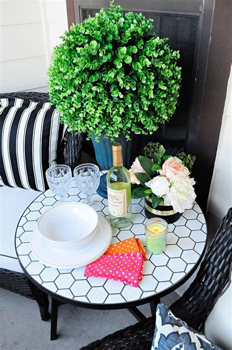 Small Apartment Patio Decorating Ideas by 17 Best Ideas About Apartment Patios On