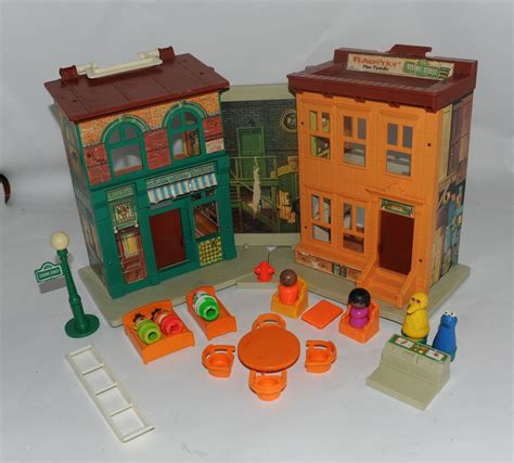 little people house vintage fisher price little people 938 sesame street family house
