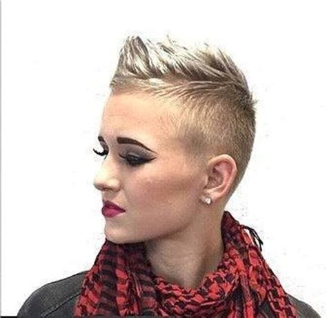 pixie cuts with buzzed back 25 best ideas about buzzed pixie on pinterest undercut