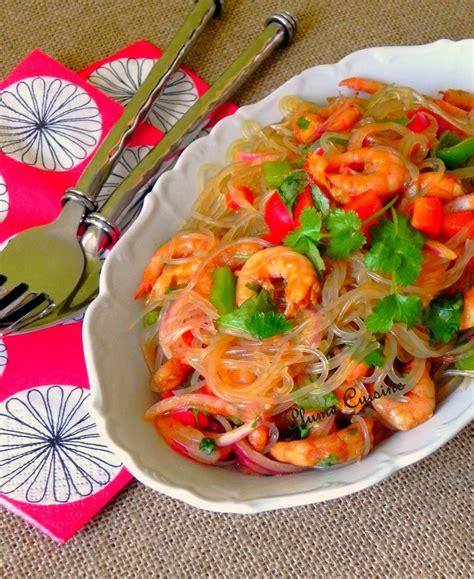 cuisine thailandaise recette salade tha 239 aux crevettes une plume dans la cuisine