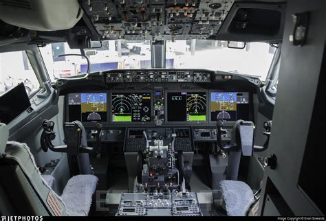 b737 max flight deck out with the in with the max at southwest