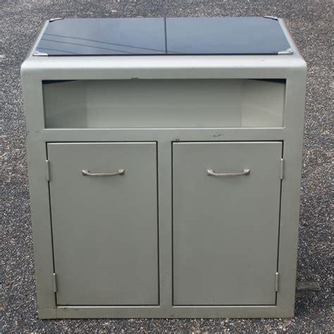 vintage industrial metal cabinet 28 quot vintage industrial metal glass cabinet ebay