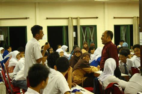 Dialog Remaja remaja berprestasi trainer kita
