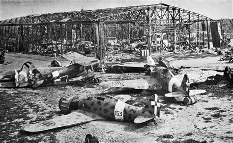 truck hton coliseum attēls wrecked aircraft at tripoli 1943 jpg