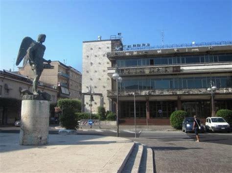 comune di anzio ufficio anagrafe ladri nel palazzo comunale di aprilia rubate anche le