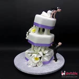 underwater theme wedding cake with sugar seahorses topper