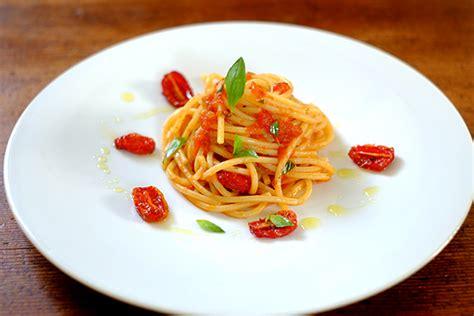 anrichten speisen auf teller anonyme k 246 che 187 pasta