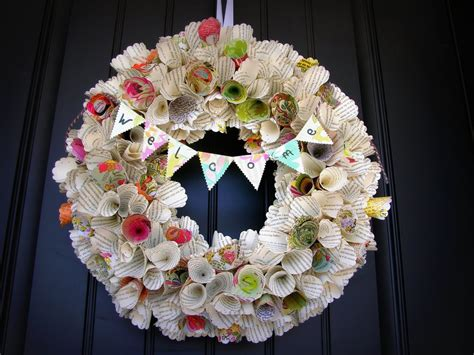 A Paper Wreath - awesome paper cone wreath tutorial