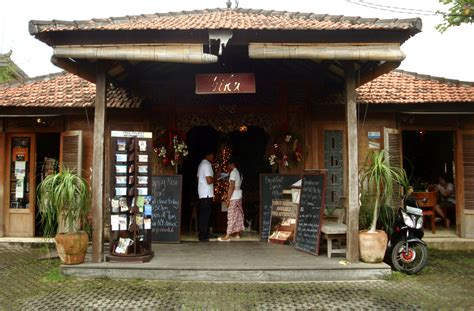 tips cafe cafe unik di bali liburan bali biku cafe teh unik satu satunya di bali