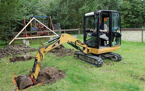 gartenhaus fundament bauen gartenhaus fundament bauen so geht 180 s bauanleitung gratis