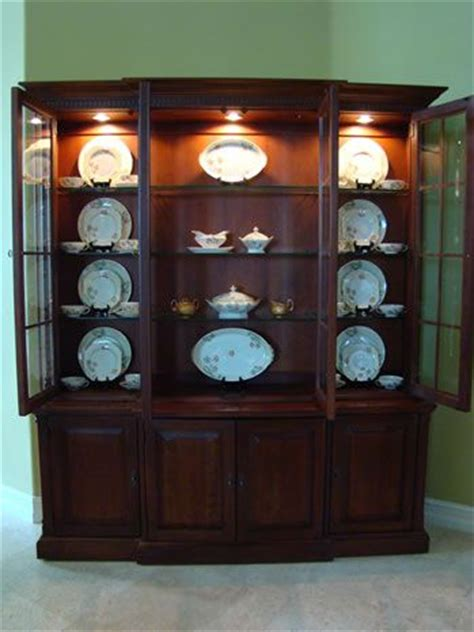 how to display in china cabinet best 25 china cabinet display ideas on china