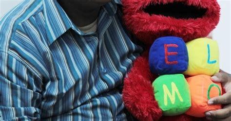 Boneka Wisuda Elmo gambar boneka elmo pangku gambar boneka lucu