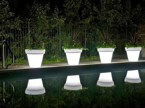 15 astonishing illuminated planter designs that you