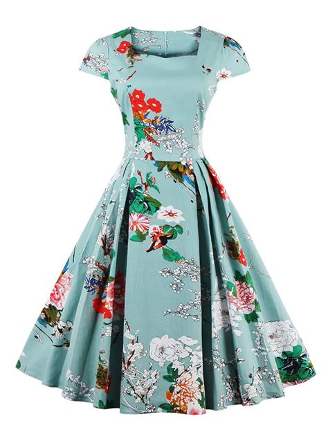 On Line Vintage Clothing Directory A To Z by Retro Cap Sleeve Floral Print Sweetheart Neck Flare Dress