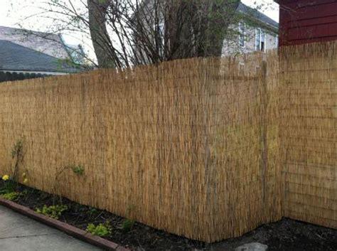 ograda paravan od trske       mreze  ograde