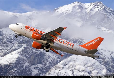 aereo easyjet interno g ezal easyjet airbus a319 at innsbruck photo id 31338