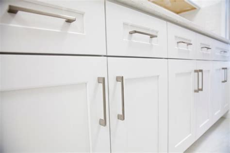 Grease Removal From Kitchen Cabinets How To Remove Grease From Your Kitchen Cabinet Doors