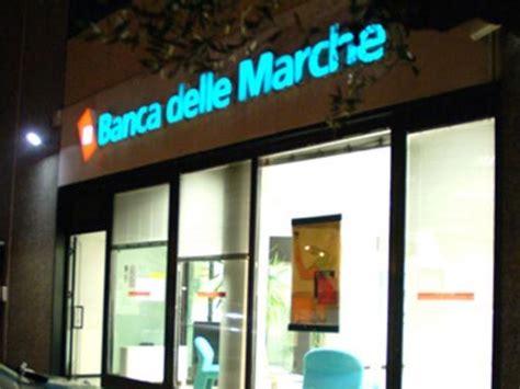 Bancomat Banca Marche by Rapina In Banca A Chieti 200mila Il Bottino 6aprile It
