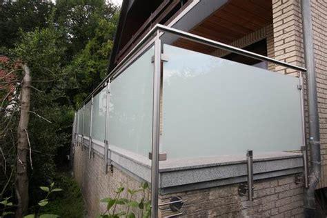 terrassengeländer edelstahl terrassengel 228 nder aus edelstahl und satiniertem glas