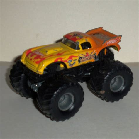 diecast jam trucks wheels jam king 1 64 diecast truck