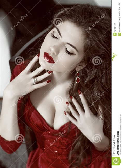 beauty fashion glamorous model girl portrait vintage