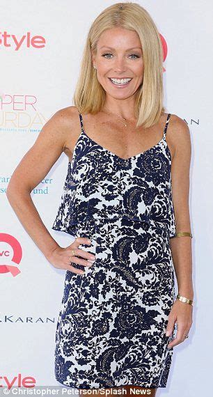 kelly ripa grey hair kelly ripa long wavy hair images frompo