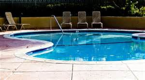 schwimmbad leer empty swimming pool stock photo domain pictures