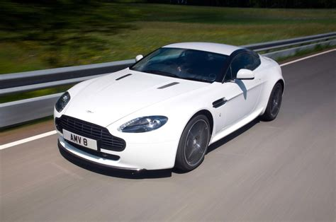 aston martin n420 aston martin introduces v8 vantage n420 edition