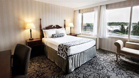 two bedroom suites niagara falls sheraton on the falls niagara falls canada resort
