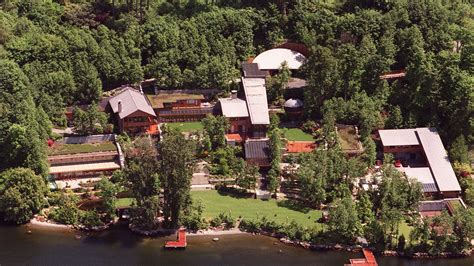 how many houses does bill gates own 25 facts about bill gates s medina mansion curbed seattle