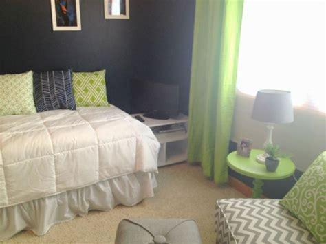 green and navy bedroom pin by tara inghram on navy white green bedroom