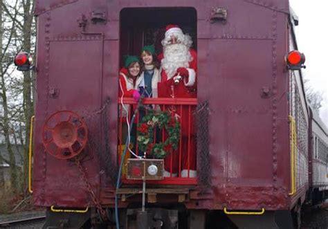 holidays magical  polar express  santa steam train rides thurstontalk