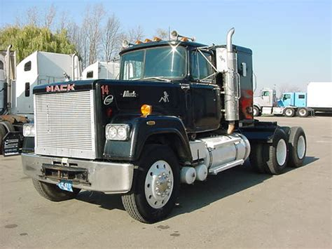 Mack Superliner Sleeper by 1982 Mack Superliner For Sale At Ellenbaum Truck Sales