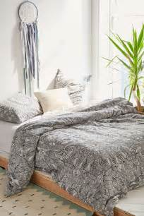 Red And Gray Bedroom Ideas - applying moroccan inspired bedding theme ifresh design