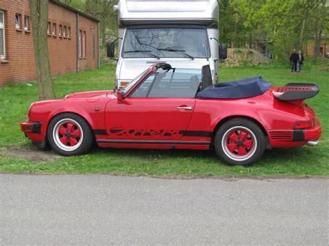 Porsche Cabrio Oldtimer by Cabrio Porsche Carrera Beim Oldtimer Treffen In L 252 Beck