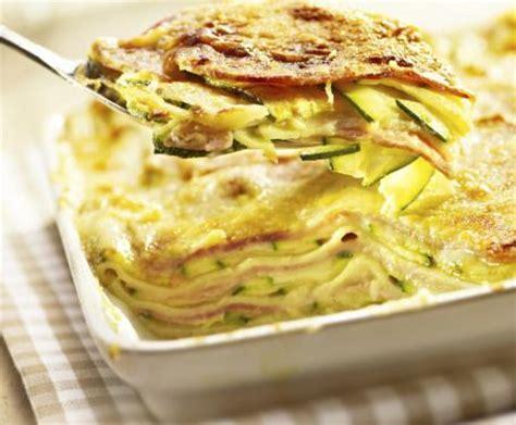 come cucinare le lasagne lasagne con zucchine e prosciutto la ricetta per