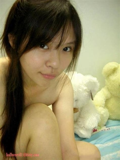 Super Cute Beautiful Chinese Schoolgirl S Lovely Pink Areola Flashing Self Photos Leaked