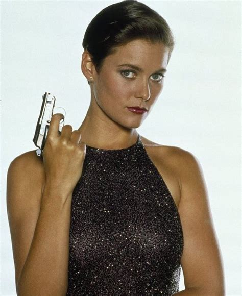 younownudes to here are the 15 hottest bond girls of all time fooyoh
