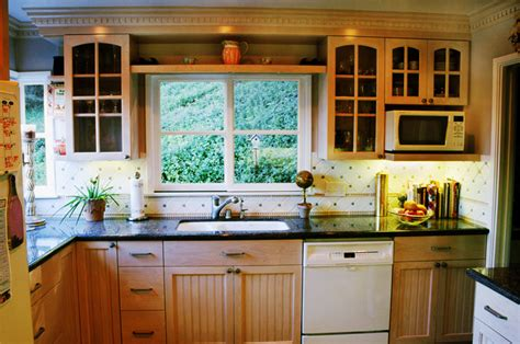Beadboard Kitchen Cabinets Maple ? Home Ideas Collection : Decorate Beadboard Kitchen Cabinets