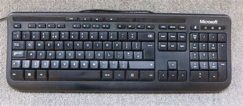 Microsoft Wired Keyboard 600 joblot 3 x microsoft x818768 003 wired keyboard 600 usb black