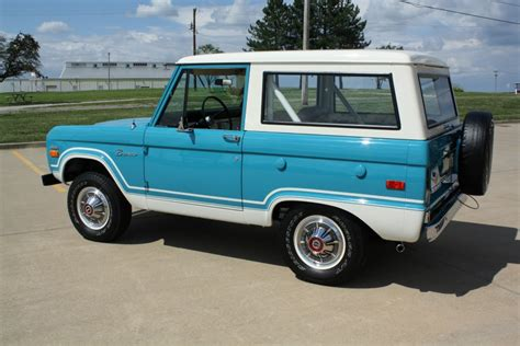 1970 Ford Bronco by 1970 Ford Bronco 4x4
