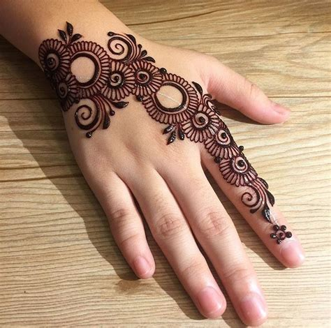 amazing tutorial henna tattoo amazing henna design it isn t it is henna henna